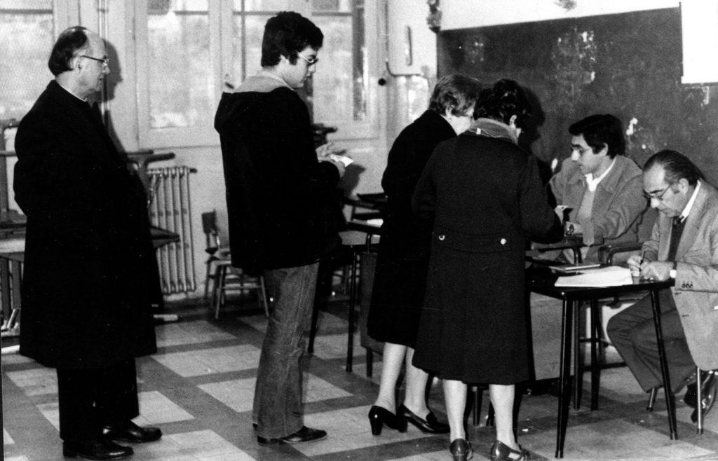 Votaciones en Zaragoza el día del referéndum constitucional del 6 de diciembre de 1978 | Archivo HERALDO DE ARAGÓN