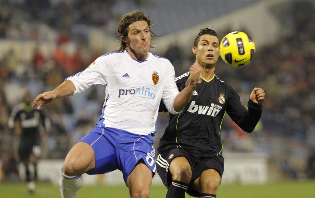 Cristiano Ronaldo durante un partido entre el Real Zaragoza y el Real Madrid