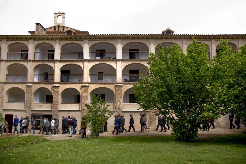 Fachada restaurada del hotel del Monasterio de Piedra